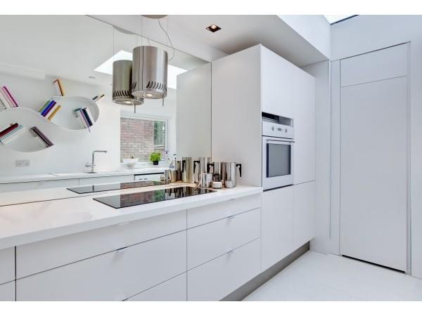 现代简约装修设计厨房特点