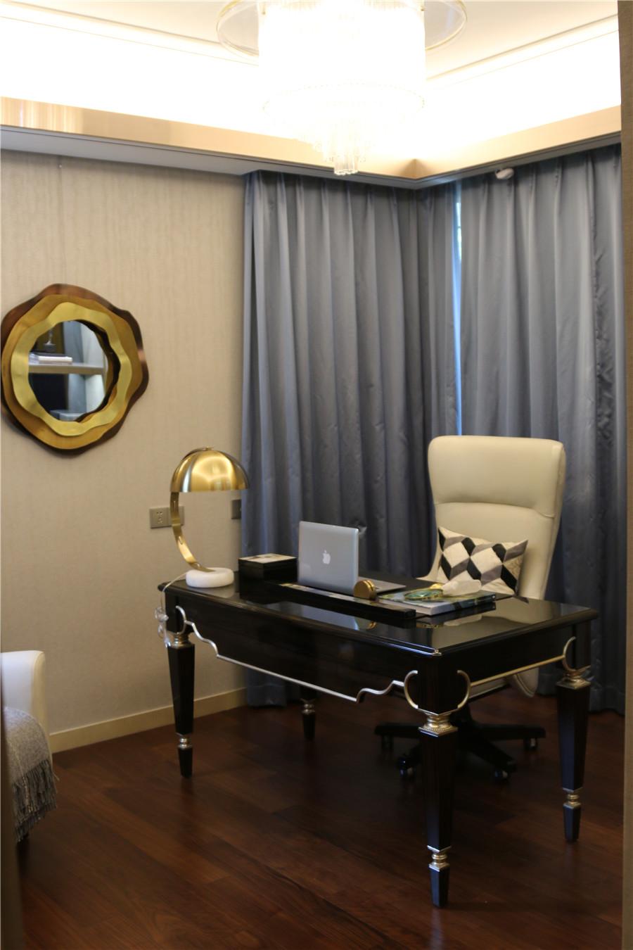 现代轻奢风格客厅家具