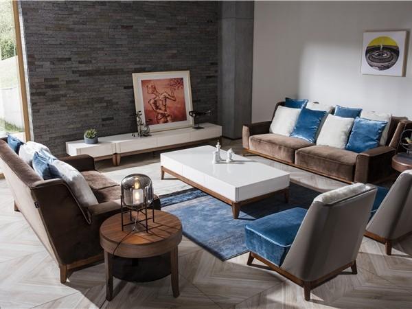 金碧辉煌的卓越震撼区别宁静温馨的家居软装是什么格调